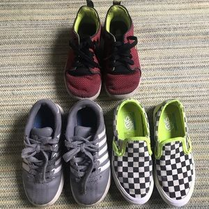KIDS SHOES 🔵 Three shoes